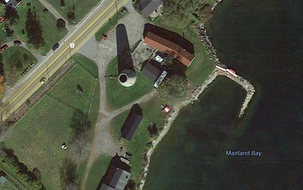 Google Maps Satellite image of the stone tower ruins.