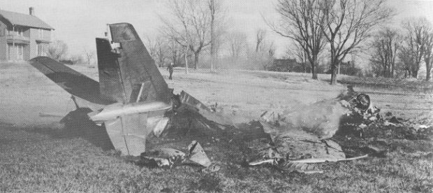 A crashed CF-86 Sabre from Uplands that exploded after hitting the ground near Manotick.