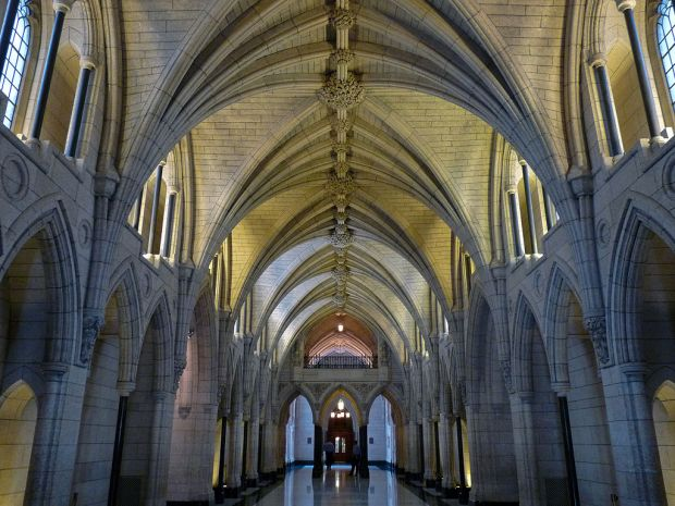 1024px-Hall_of_Honour-Centre_Block-Ottawa