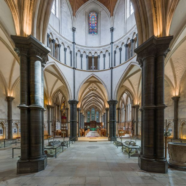 1024px-Temple_Church_5,_London,_UK_-_Diliff
