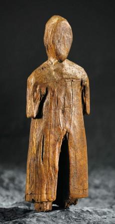 carved-figure-baffin